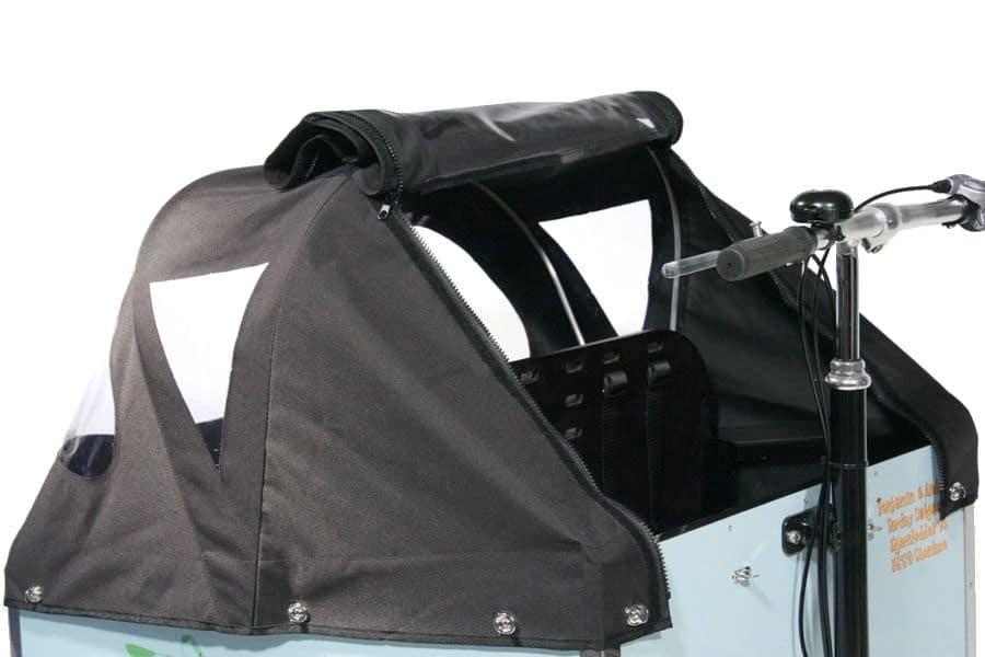 Capote basse avec fenêtre arrière enroulable